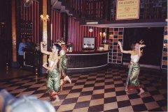 traditional-thai-dancers-at-the-atlanta-hotel-bangkok-august2003
