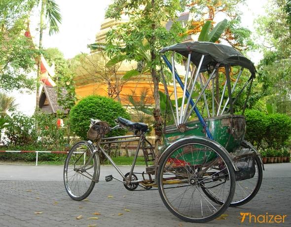 samlor at a temple in Chiang Rai