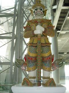 yaksha-statue-bangkok-airport