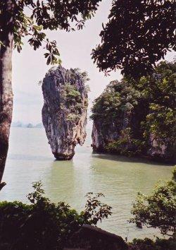 ao-phang-nga-james-bond-island