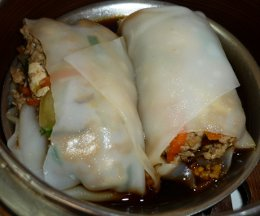 steamed noodle rolls (kuay thiao lord)