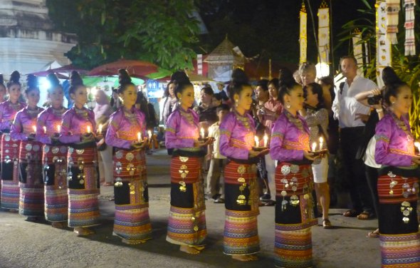 Lanna dancers at Wat Chedi Luang, Chiang Mai