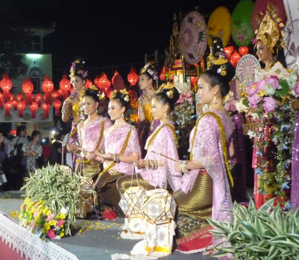Loy Krathong Opening Ceremony, Three Kings Monument, Chiang Mai