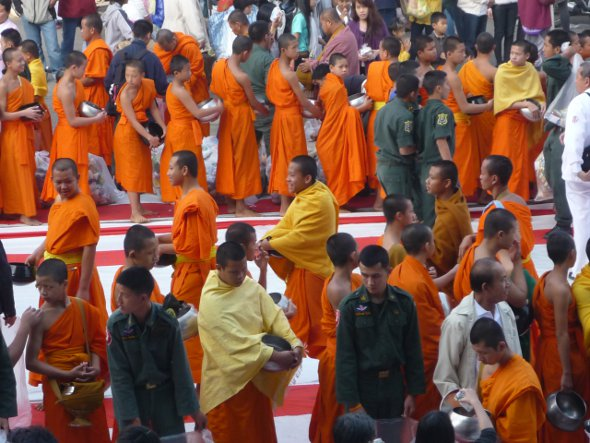 12,600 monks attend ceremony in Chiang Mai