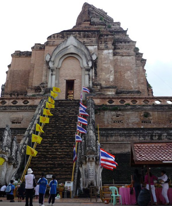 The eastern side of the pagoda with the alcove which holds the replica image of the Emerald Buddha