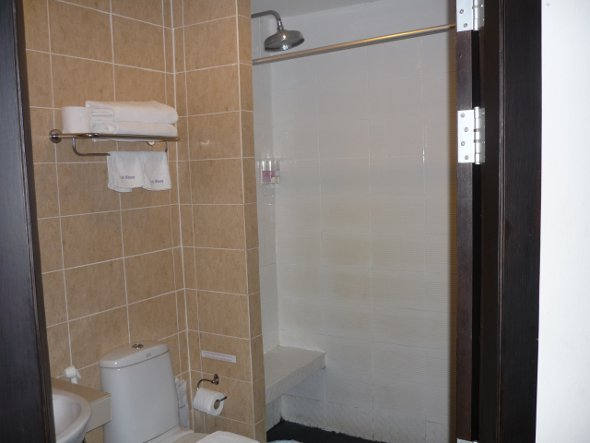 Bathroom and rain shower at Lub Sbuy Guest House, Phuket Town