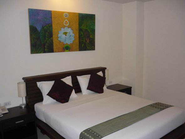 standard air-con room at Lub Sbuy Guest House, Phuket Town