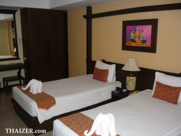 standard single room at Thong Ta Resort and Spa hotel near Bangkok airport