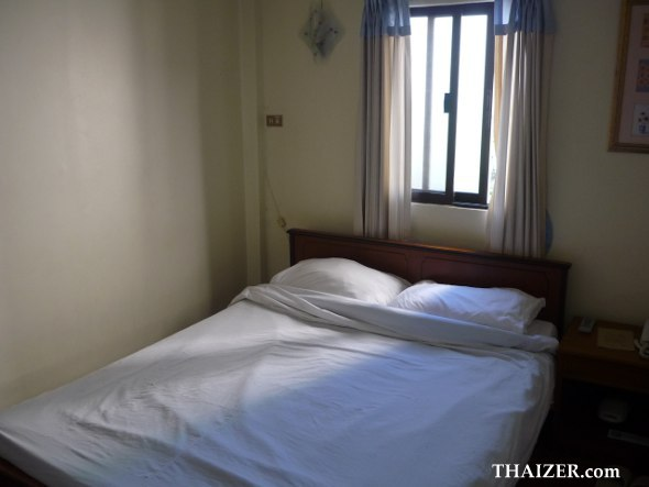 standard double room at Wendy House guest house, Bangkok