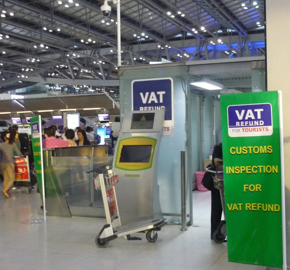 VAT tax refund office near check-in at Bangkok airport
