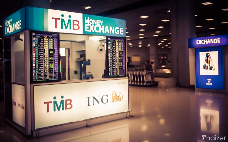 money exchange bureaus at Bangkok airp