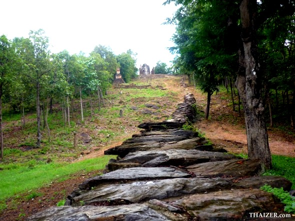 stone pathway leading to top of Wat Saphan Hin