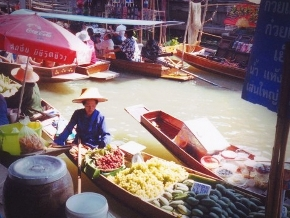 Bangkok Floating Market at Damnoen Saduak