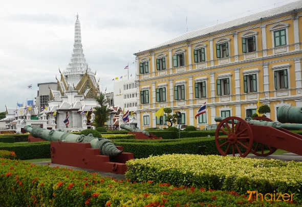 Ministry of Defence building with Lak Mueang shrine to the left