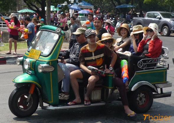 Songkran tuk-tuk