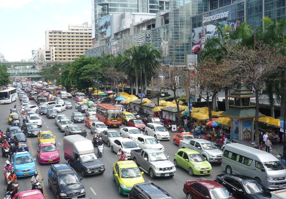 Afternoon traffic on Ratchadamri backing up to Ratchaprasong Intersection