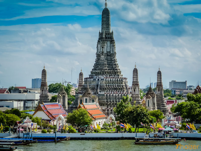 Wat Arun (Temple of Dawn) Bangkok