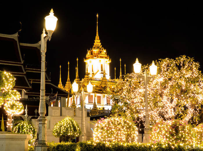 Bangkok Lights Up For The Festive Period