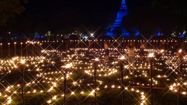 Celebrating the Loy Krathong Festival in Sukhothai